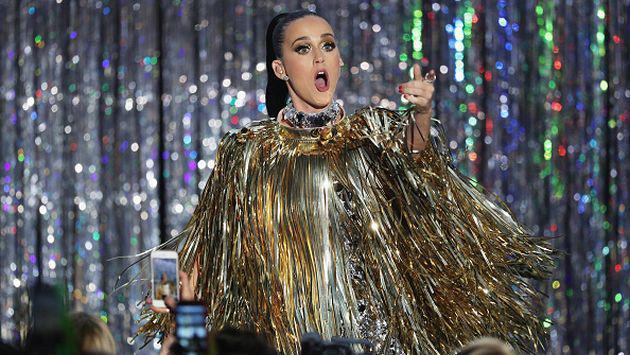 OMG! Katy Perry lo muestra todo en Francia [FOTO]