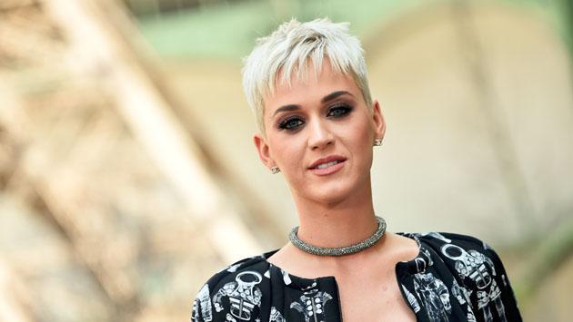 Katy Perry y la razón por la que ahora luce el cabello bien corto