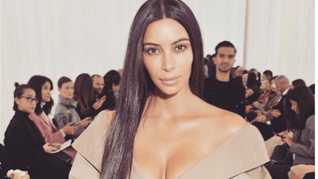 Kim Kardashian fue asaltada a mano armada