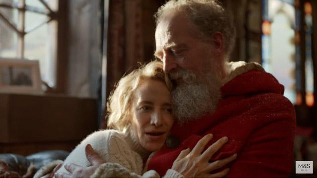 La Señora Claus llegó a esta Navidad y sorprende a YouTube [VIDEO]