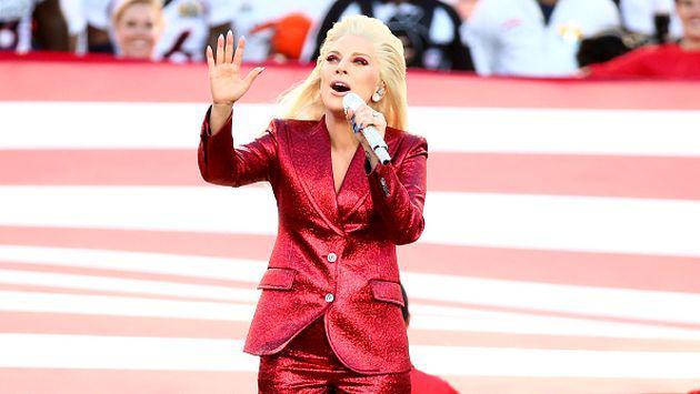 ¡Checa la increíble actuación de Lady Gaga en el Super Bowl! [VIDEO]