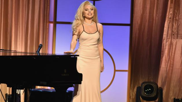 Lady Gaga habla sobre el ataque sexual que sufrió un familiar cercano [VIDEO]