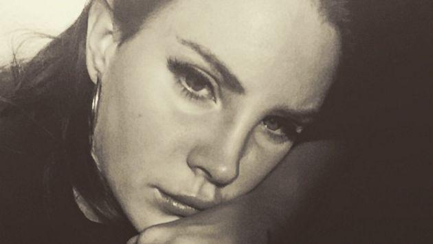 OMG! Arrestaron a fan de Lana Del Rey luego de que ingresara en la casa de la cantante
