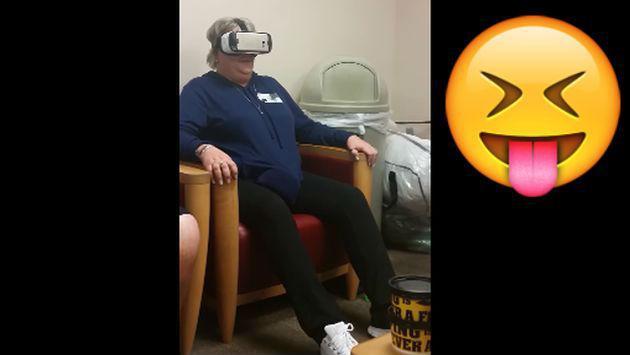 Mátate de risa al ver la reacción de esta mujer al probar unos lentes de realidad virtual [VIDEO]