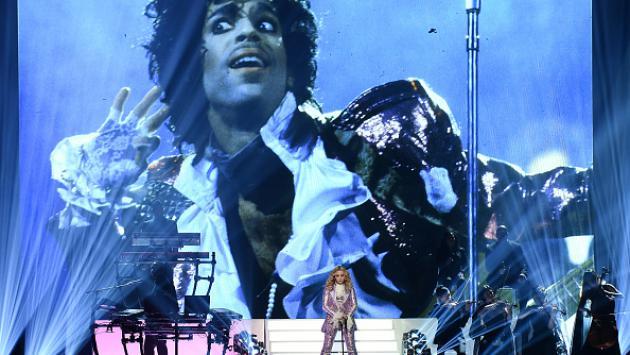 Madonna rindió espectacular homenaje a Prince en los Billboard 2016