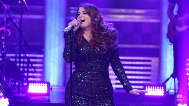 Meghan Trainor y su épica caída durante su actuación en el programa de Jimmy Fallon [VIDEO]