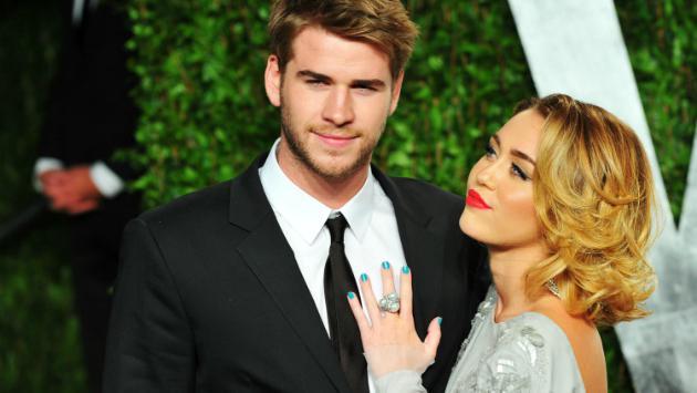 Miley Cyrus celebra el 'Día del Beso' con una foto del recuerdo junto a Liam Hemsworth  [FOTO]