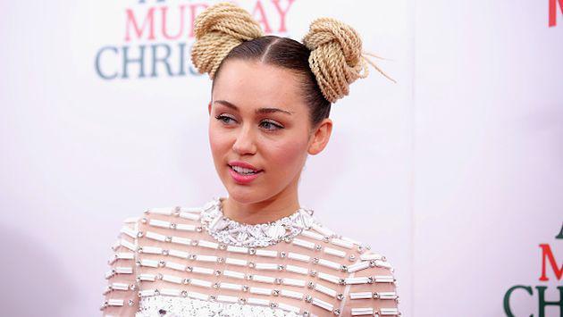 Miley Cyrus presumió su nuevo tatuaje en Instagram, pero ni siquiera ella sabe de qué es [FOTO]