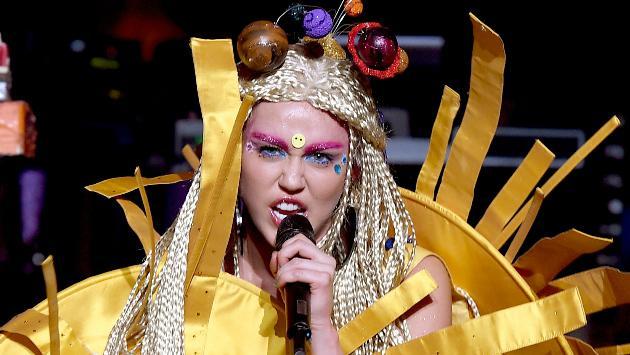 ¡Miley Cyrus estará en la primera serie dirigida por Woody Allen!