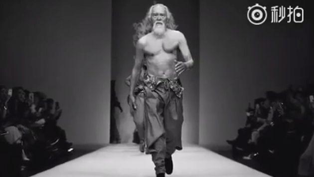 ¡Asu! ¡Conoce al modelo de 80 años causa sensación en Facebook! [VIDEO]
