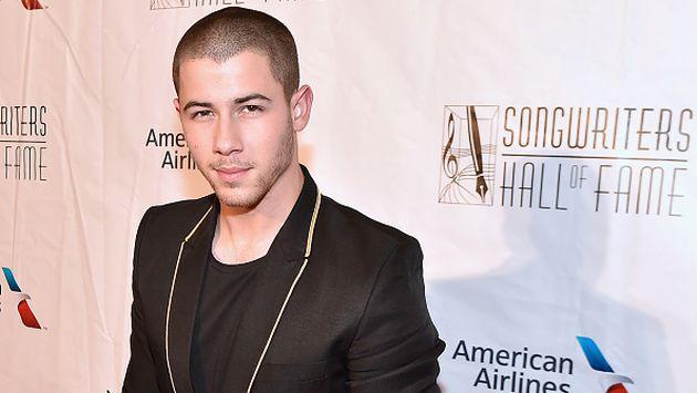 Nick Jonas contó cómo lidia con sus primeras citas