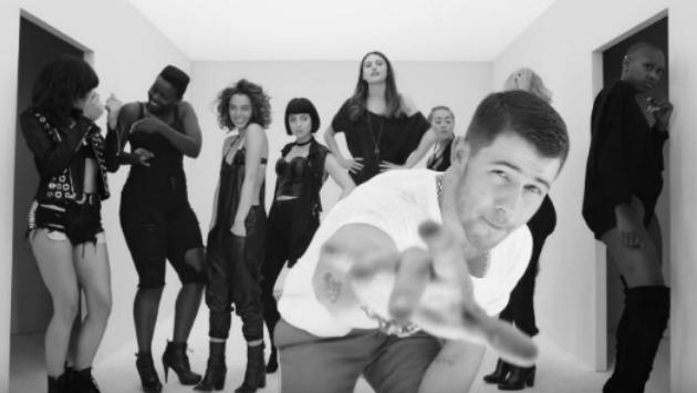 OMG! Ya podemos ver el video oficial de 'Remember I Told You' de Nick Jonas junto a Anne-Marie y Mike Posner [VIDEO]