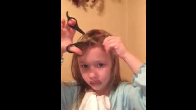 OMG!! Niña intenta hacer tutorial de belleza y los resultados fueron terribles [VIDEO]