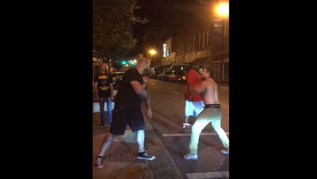 Se quitó hasta el polo para pelearse, pero ahora es la burla de YouTube [VIDEO]