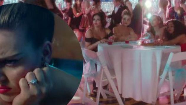 Perrie Edwards usa anillo de compromiso de Zayn Malik en video de 'Love Me Like You' [VIDEO]