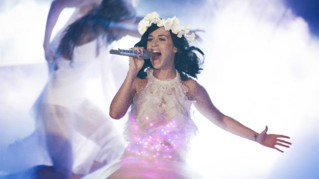 ¡Atento fanático! Escucha estas canciones de Katy Perry [VIDEOS]