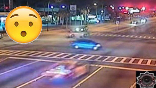¡Policía provocó brutal choque tras pasarse la luz roja a 140 km/h! [VIDEO]
