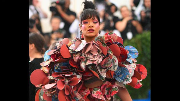 ¿Qué tenía pensado Rihanna al ir vestida así a la Met Gala 2017? [FOTOS]