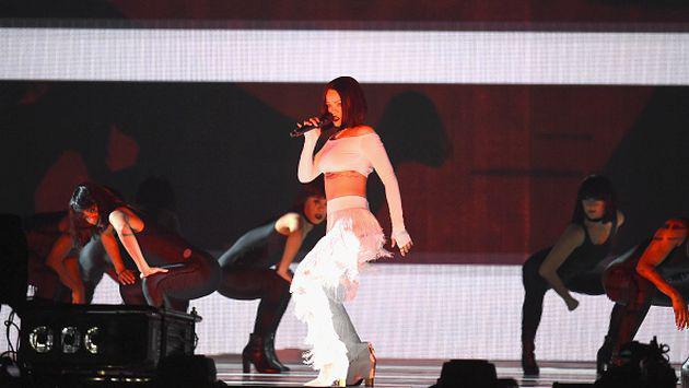 ¡Rihanna quedó sorprendida con fanático! [VIDEOS]