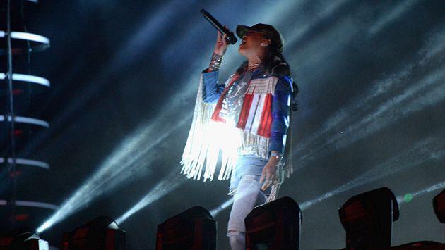 Rihanna rindió sentido homenaje a Prince durante concierto [VIDEO]