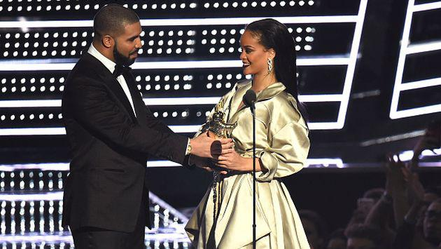 Así Rihanna mandó a la 'friendzone' a Drake durante los MTV Video Music Awards [FOTOS + VIDEO]