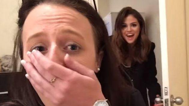 Selena Gomez sorprendió a una fan y no van a creer cómo reaccionó [VIDEO]