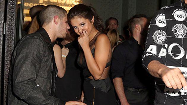 Así demuestra Nick Jonas lo contento que está por el regreso de Selena Gomez [FOTO]