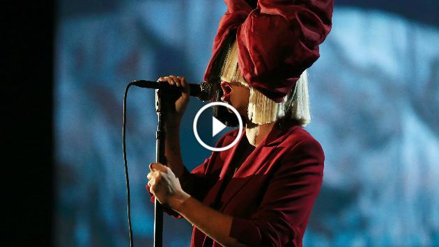 ¡Sia estrenó nueva canción! ¡Escúchala aquí!