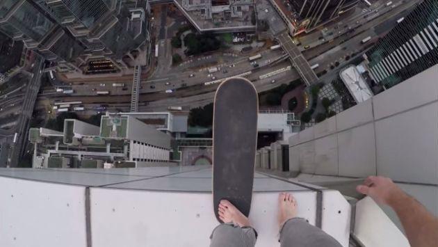 Ruso monta skate al borde de un precipicio en Hong Kong y se convierte en viral [VIDEO]