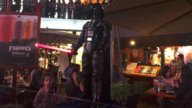 ¡'Star Wars: El despertar de la fuerza' arrasó en su primer día de estreno!
