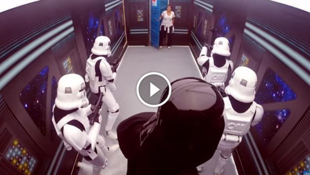 ¡Darth Vader y stormtroopers asustan a usuarios de baño público en cámara escondida! [VIDEO]