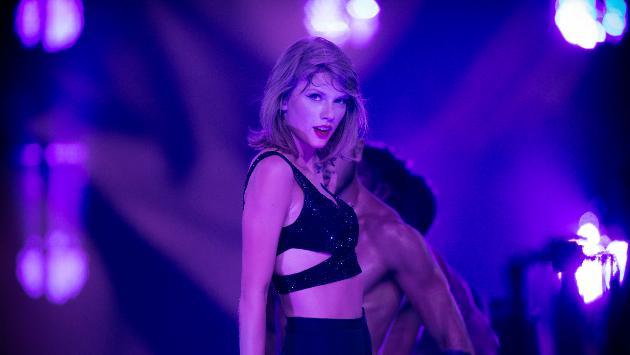 ¡Taylor Swift tuvo increíble gesto con niño con autismo! [VIDEO]