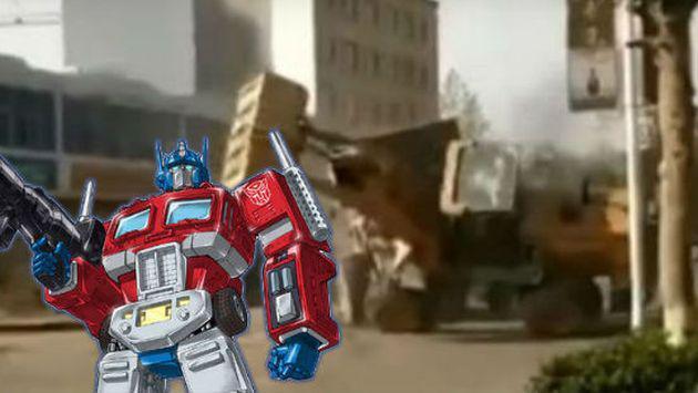 Tienes que ver a estas dos excavadoras 'peleando' a lo 'Transformers' [VIDEO]