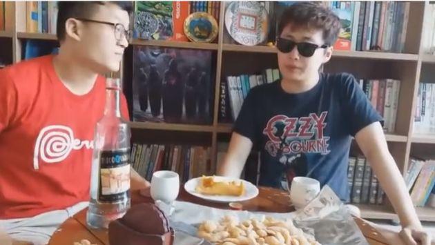 Jóvenes coreanos probaron pisco por primera vez y así reaccionaron [VIDEO]
