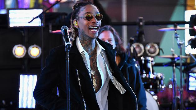 ¡Checa  la versión de 'Hello' de Wiz Khalifa! [VIDEO]