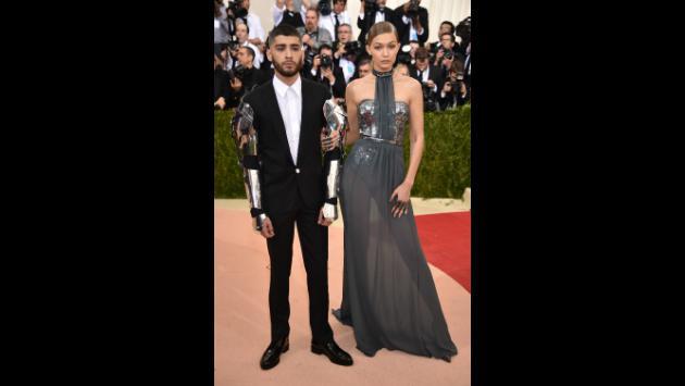 Zayn Malik, junto a Gigi Hadid, fue a la Met Gala mismo caballero del zodiaco