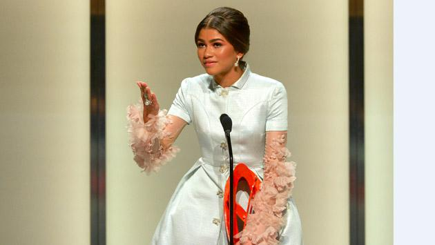 Zendaya derrochó glamour y más en los Women Of The Year Awards [FOTOS]