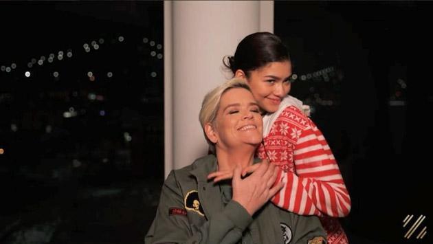 Zendaya y su mejor tutorial de maquillaje al lado de su madre [VIDEO]