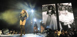 Beyoncé quedó sorprendida luego de invitar a fans a bailar 'Single Ladies' durante concierto [VIDEOS]