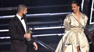 ¡Drake le envió este tierno mensaje a Rihanna durante concierto! [VIDEO]