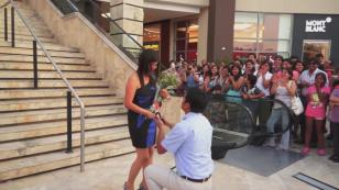 OMG! Esta pedida de matrimonio te sorprenderá [VIDEO]