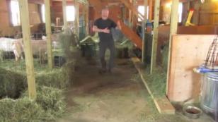 Un granjero es la sensación de Facebook con este simpático baile [VIDEO]