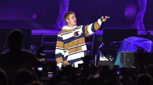 OMG! Justin Bieber abandonó concierto luego de enojarse con sus fans [VIDEO]
