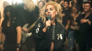 Lady Gaga regresa como nunca la has visto en el videoclip de 'Perfect Illusion'. ¡Chécalo!