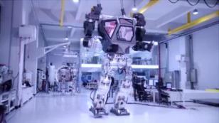 Robots gigantes operados por hombres ya son una realidad [VIDEO]