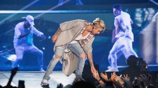 Mira el tierno gesto que tuvo Justin Bieber con una fan (VIDEO)