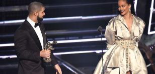 Así Rihanna mandó a la 'friendzone' a Drake durante los MTV Video Music Awards [FOTOS + VIDEO]