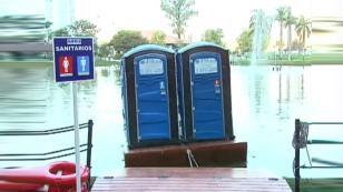 ¡Vacílate con la broma del 'baño balsa'! [VIDEO]