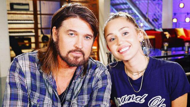 Así fue como Miley Cyrus troleó a su papá antes de los MTV Video Music Awards