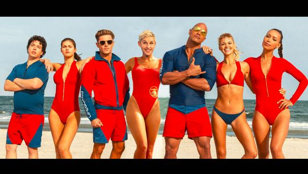 'Baywatch' regresa con este tráiler con 'The Rock' Dwayne Johnson y Zac Efron [VIDEO]